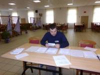 Krapina,  22. travnja 2012., Krešimir Kralj provjerava zapisnike