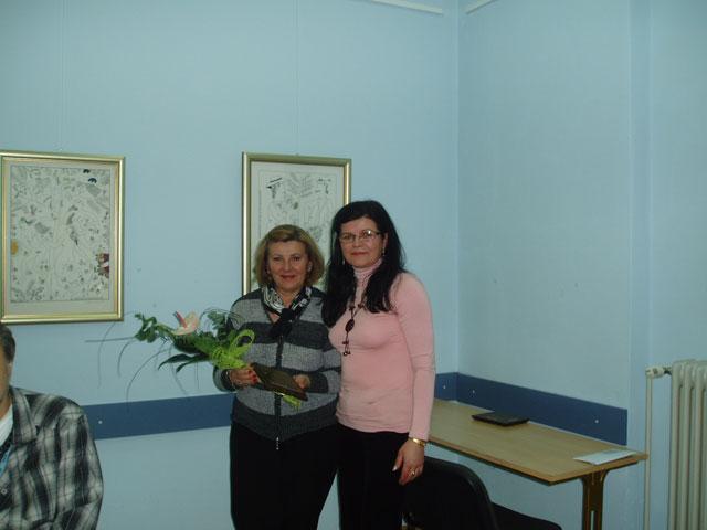 ŠK Krapina predao je zahvalnicu Pučkom otvorenom učilištu Krapina. Zahvalnicu je u ime Učilišta primila ravnateljica Viktorija Krleža, 2010.